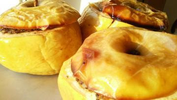 Pieczone jabłka z kaszanką