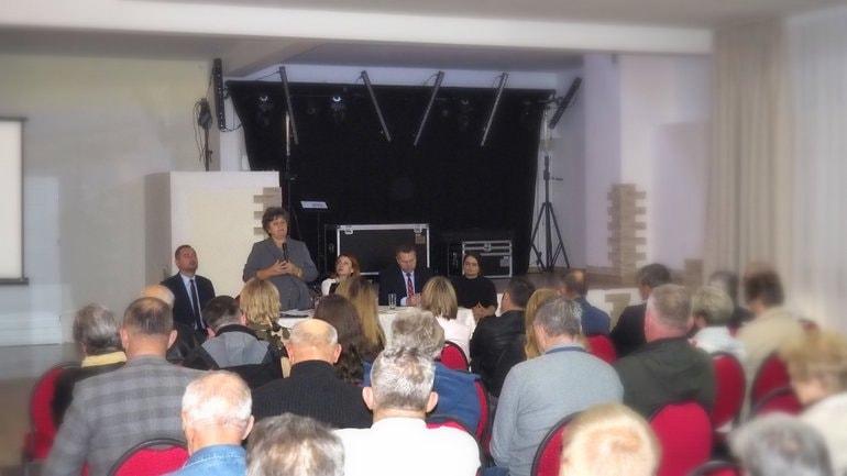 Prócz Wojewody na pytania odpowiadali Gabriela Masłowska, Anna Pawlas, Marta Krzyżak i Marek Wojciechowski.